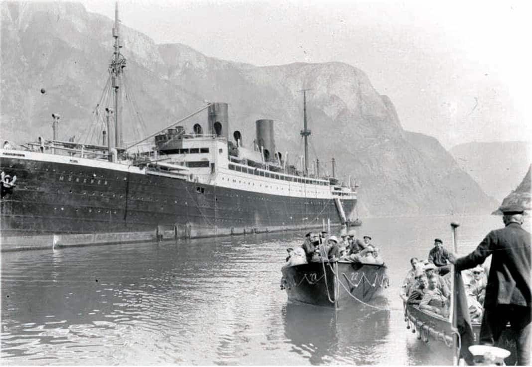 Passengers disembark from the München at Gudvangen, Norway in the Summer of 1925